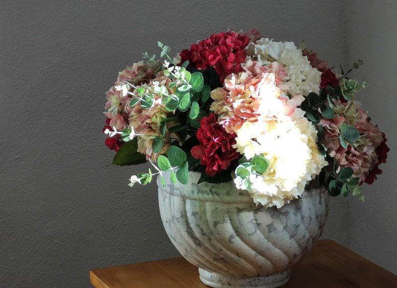 Casa Larriz la casona y sus detalles florales